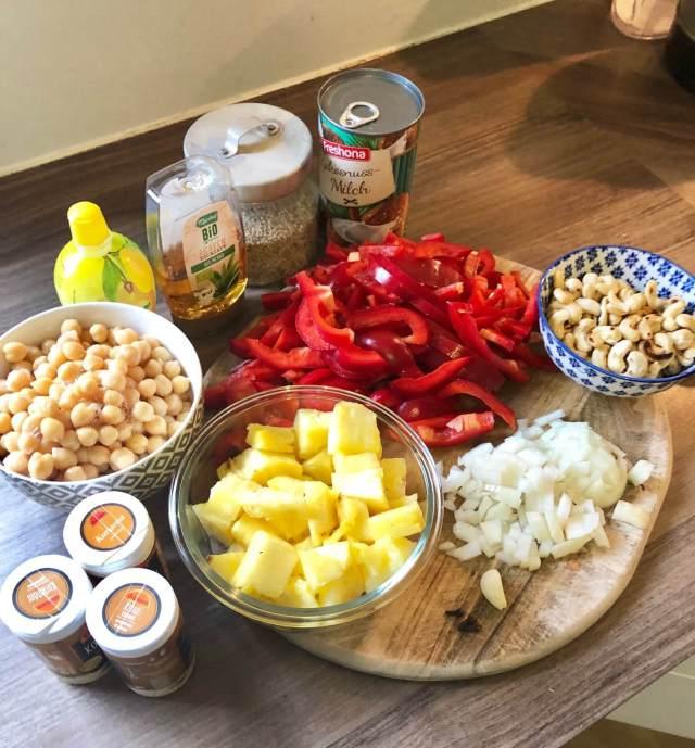 Curryvorbereitungen