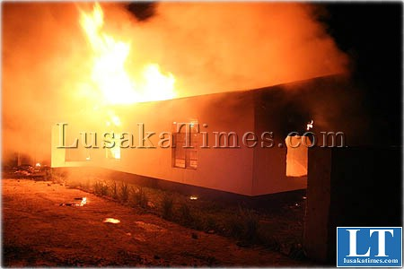 File:A house on fire in Mongu
