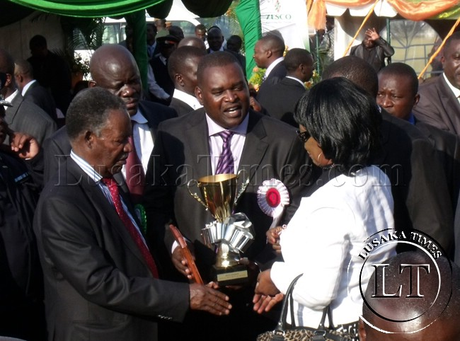 President Sata dishing out prizes at the trade fair in Ndola