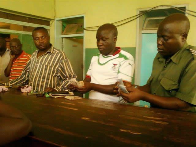Kapiri Mposhi police count confiscated money
