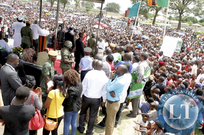 Dr Scott Addresses a rally for Edgar in Chingola
