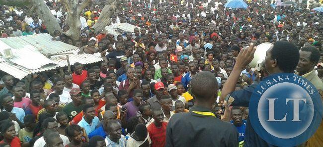 HH addressed the crowd alongside Hon. Milupi and Hon. Dr Musokotwane at Kaunda Square, Kalabo.