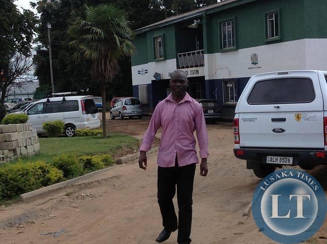 Emmanuel Chilekwa leaving Lusaka Central Police  Station