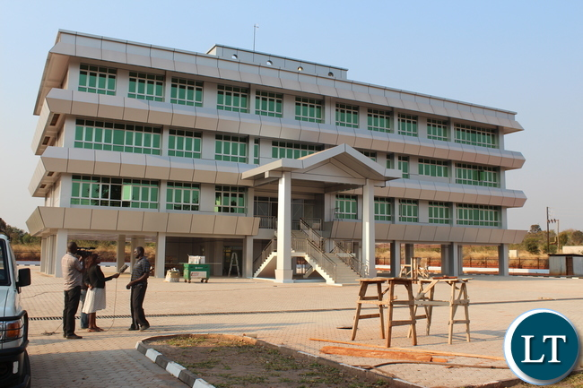 Construction of the police divisional headquarters in Muchinga Province by Datong Construction company at a cost of K20.6 million has been completed. Works on this project commenced in 2013.