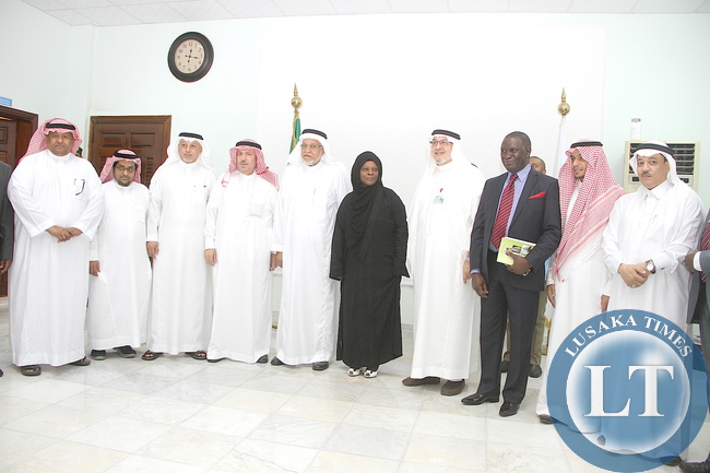First Lady Esther Lungu with International Islamic relief Organisation Secretary General Ehssan Tayieb and other members of the IIROSA organization during a meeting on Women Empowerment Programms and assistance to the vulnerable and many other charitable work. This was in Jeddah, Saudi Arabia on Saturday, October 17,2015 -Picture by THOMAS NSAMA