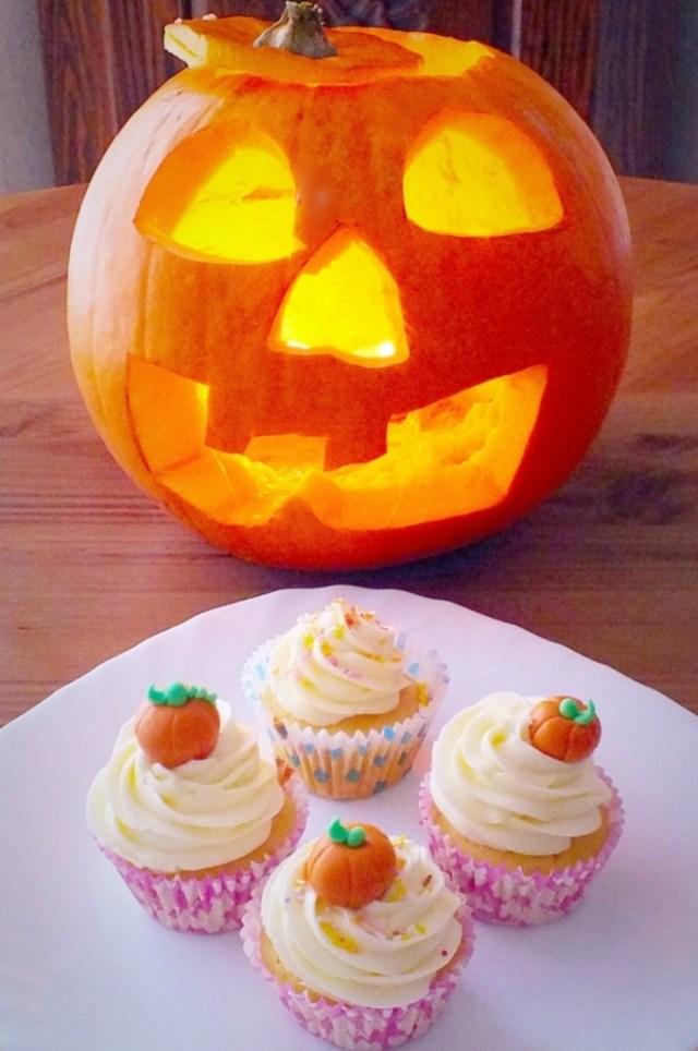 Pumpkin_cupcakes.jpg_6