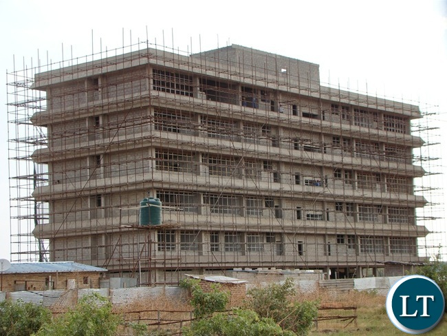 A six storey building for Southern Province administration under construction in Choma takes shape. The building complex will accommodate most government departments once complete.
