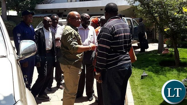 Nevers Mumba with MMD Members