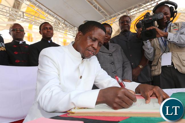 President Edgar Lungu assenting Constitutional bill 0455