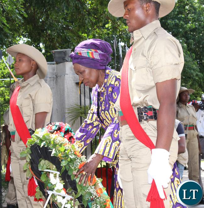 Vice President Inonge Wina laying wreaths.