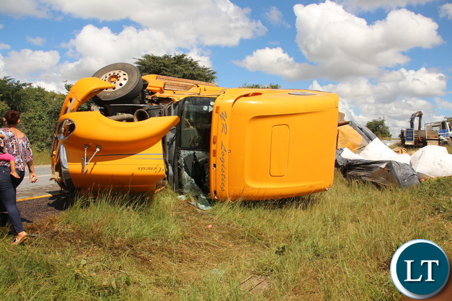 The truck B669 AUX was spotted between Choma - Monze road, the driver escaped unhurt according to a bypasser
