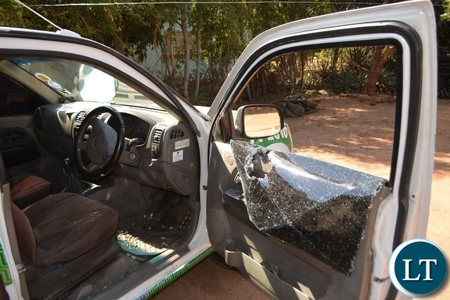PF Livingstone mobilization vehicle attacked and stoned by suspected UPND Cadres in Zambezi ward Livingstone