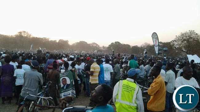 UNDREDS of people who attended President Edgar Lungu rally at golf course in Chipata