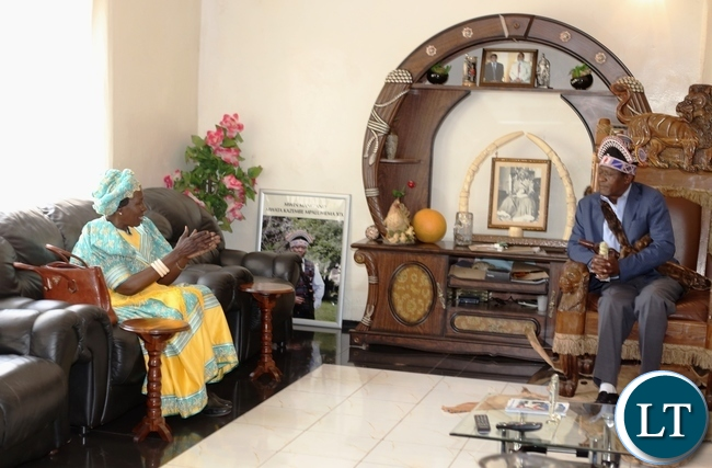 VICE President Inonge Wina speaking to the Mwata when she paid a courtesy call on him during this year's Mutomboko ceremony.