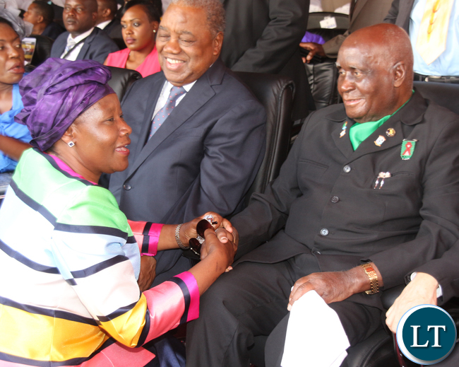 FDD President Edith Nawakwi talking to former First President Dr Kenneth Kaunda, while fourth President Rupiah Banda looks on