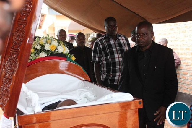 SECOND Deputy Speaker of the National Assembly, Mwimba Malama, pays his last respect to the late Mkhondo Lungu at Kachule farm in Lundazi