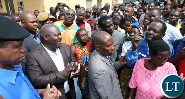 President Edgar Lungu talks to Mothers at solwezi General Hospital