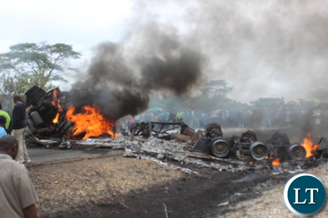 The fuel tanker broke into flames and blockaded the great north road near prospect police in kabwe.