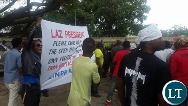 PF cadres protesting at LAZ Secretariate