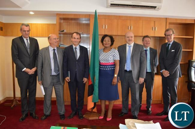 nformation & Broadcasting Services Minister Kampamba Mulenga, (Centre) with European Union Delegation after the later paid courtesy call at her office recently. (Photo by LUU MACHILA - MIBS PR UNIT)