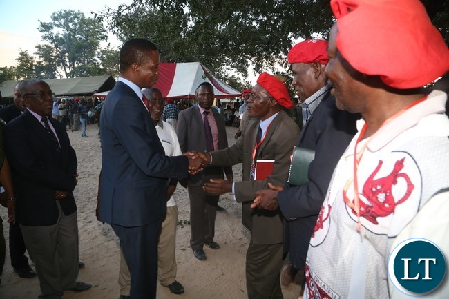 Induna Kalonga welcomes President Lungu at Lialui Palace during courtesy call on the Lutungu