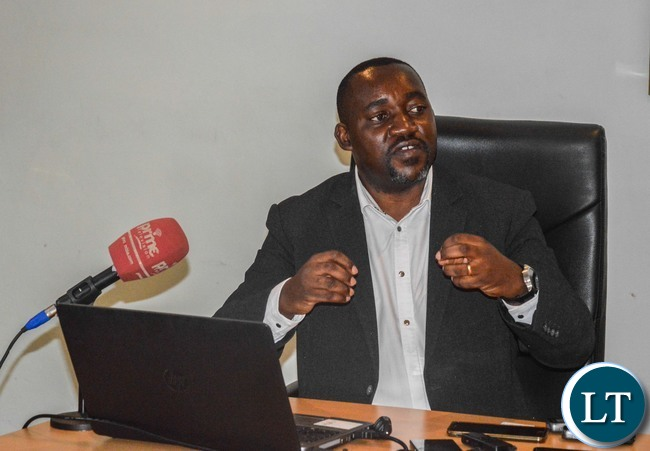 Zamtel Acting Chief Technical Officer Freelance Bwalya stresses a point during a media briefing on Tuesday, November 2017 at Zamtel House