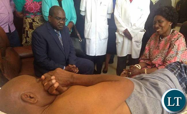 epublican Vice President, Mrs Inonge Wina at UTH with Health Minister Visiting  Mr Mukombwe