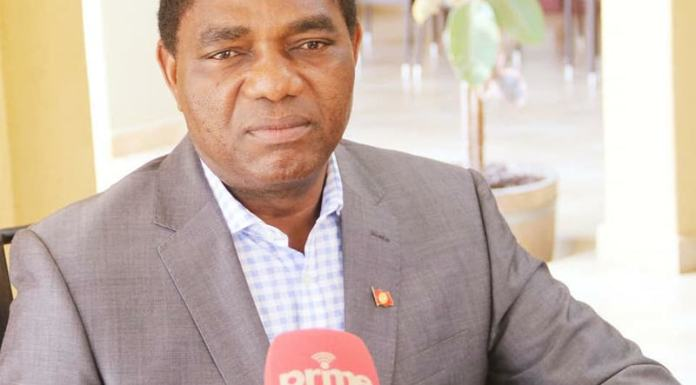 HH addressing a media briefing at his residence