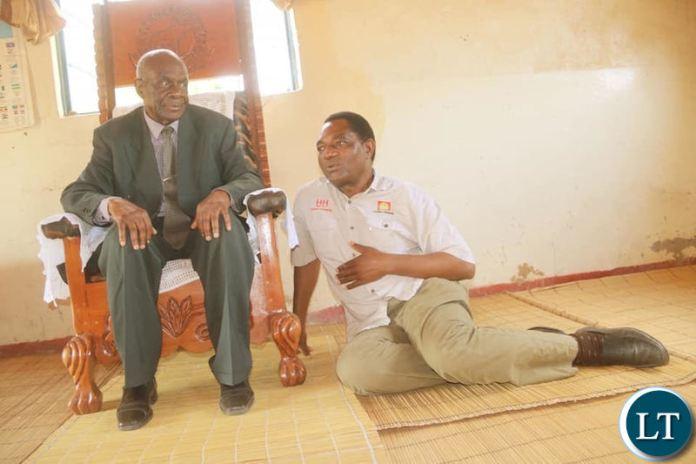 HH greeting Senior Chief Muneku of Kaoma