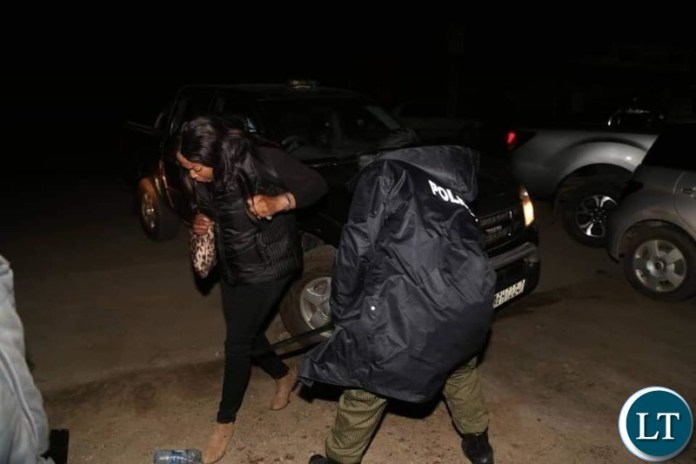 Woman resisting Police Arrested