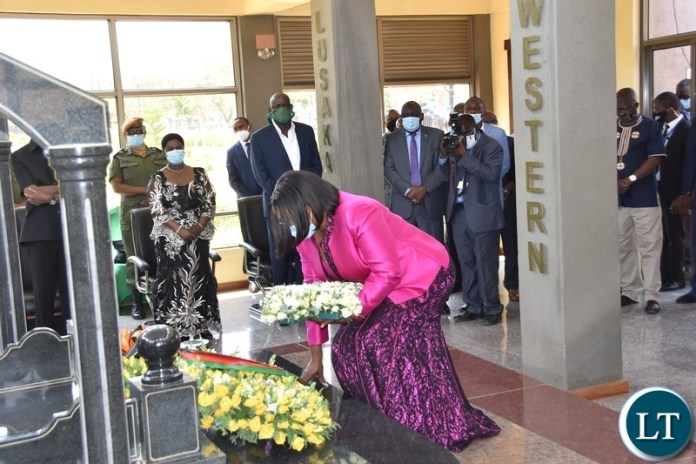 Former First Lady Christine Kaseba laying wreaths at the tomb of the late President Sata during the Sata memorial service at Embassy park. Wednesday, October 28, 2020.Picture By ROYD SIBAJENE/ZANIS