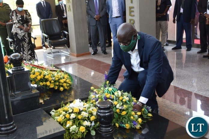 PF Secretary General Davies Mwila laying wreaths at the tomb of the late President Sata during the Sata memorial service at Embassy park. Wednesday, October 28, 2020.Picture By ROYD SIBAJENE/ZANIS