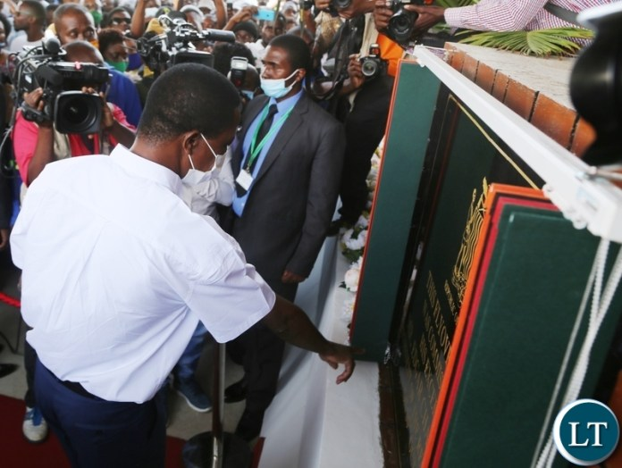 President Edgar Lungu unveils the plague during the official commissioning of Arcades fly-over Bridge in Lusaka. Picture by SUNDAY BWALYA/ZANIS