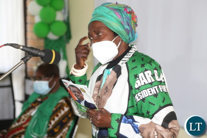 Vice President Inonge Wina lectures the PF aspiring parliamentary and council candidates in Kabwe on PF manifesto in kabwe