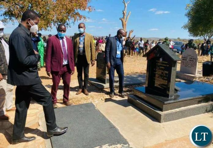President Lungu at  late politician Mainza Chona's gravesite in Southern Province