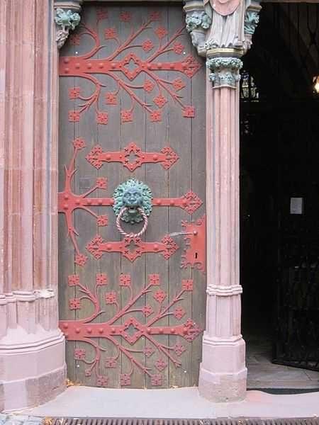 20 Antique Metal And Wood Exterior Doors Bringing Charm Of Unique Vintage Style