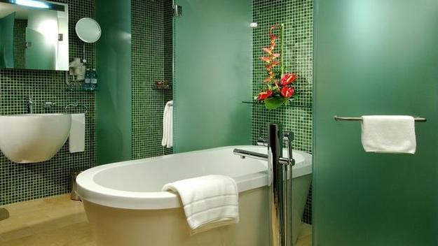 22 Modern Bathroom Ideas Blending Green Color into Interior Design and Decor