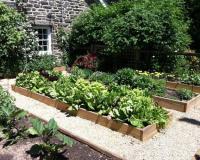 20 Raised Bed Garden Designs and Beautiful Backyard ...