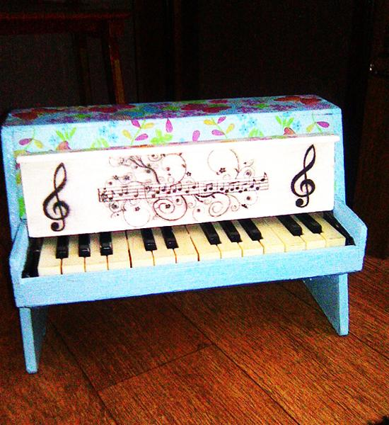 Creative Painting Ideas for Old Piano Decorating with Color and Patterns