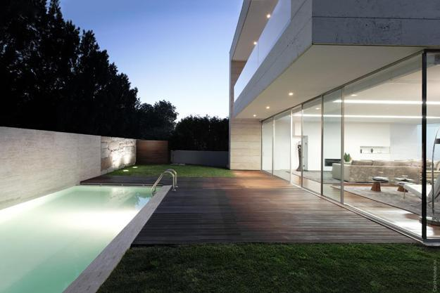 10 Benefits of Adding Large Energy Efficient Windows to Modern House Designs