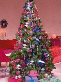 Christmas Tree Decoration Blending Purple and Pink Colors ...