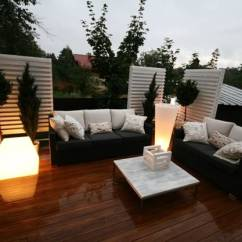 Christmas Decorating Ideas For A Small Living Room Holiday Rooms 22 Modern Outdoor Seating Areas, 11 Backyard To ...