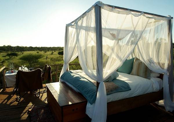 25 DIY Outdoor Bed Ideas Summer Decorating With Spa Beds Canopies And Curtains