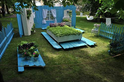 Recycling Old Wood Beds For Yard Landscaping And