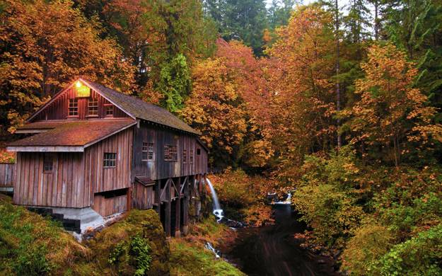 Free Fall Desktop Wallpaper For Windows 7 Fall Colors Beautify Modern Houses And Landscape