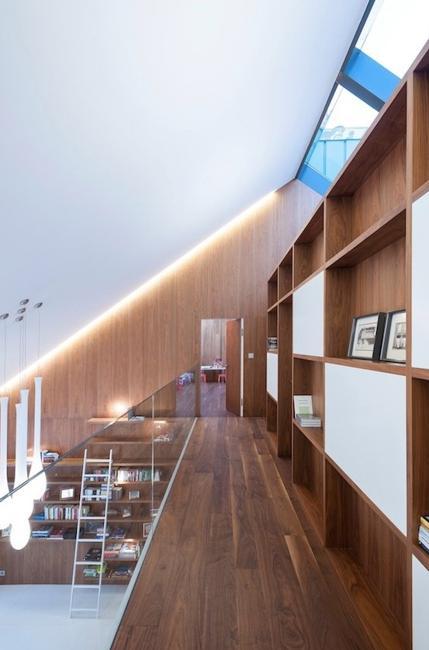 Original Modern House Design Turning Complex Terrain Into