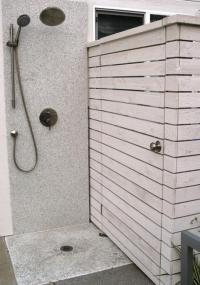 30 Outdoor Shower Design Ideas Showing Beautiful Tiled and ...