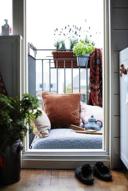 20 Creative Modern Ideas To Transform Small Balcony Designs
