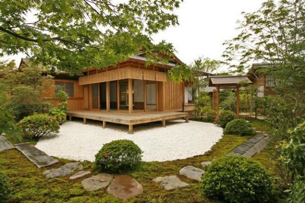 beautiful garden house design