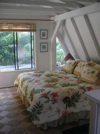 20 Attic Bedroom Designs Efficiently Utilizing Under Roof ...